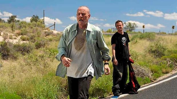 Jesse Pinkman with Walter White on Desert Road
